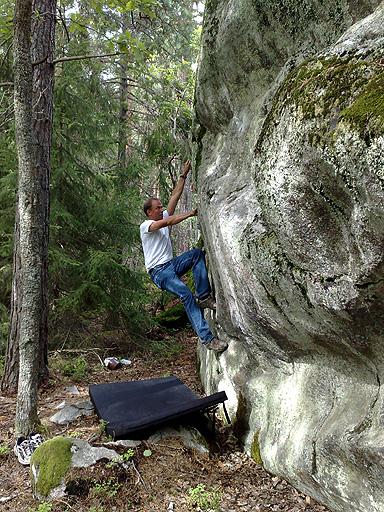 Alps 2008 - Tomas Ericsson @ our home boulder